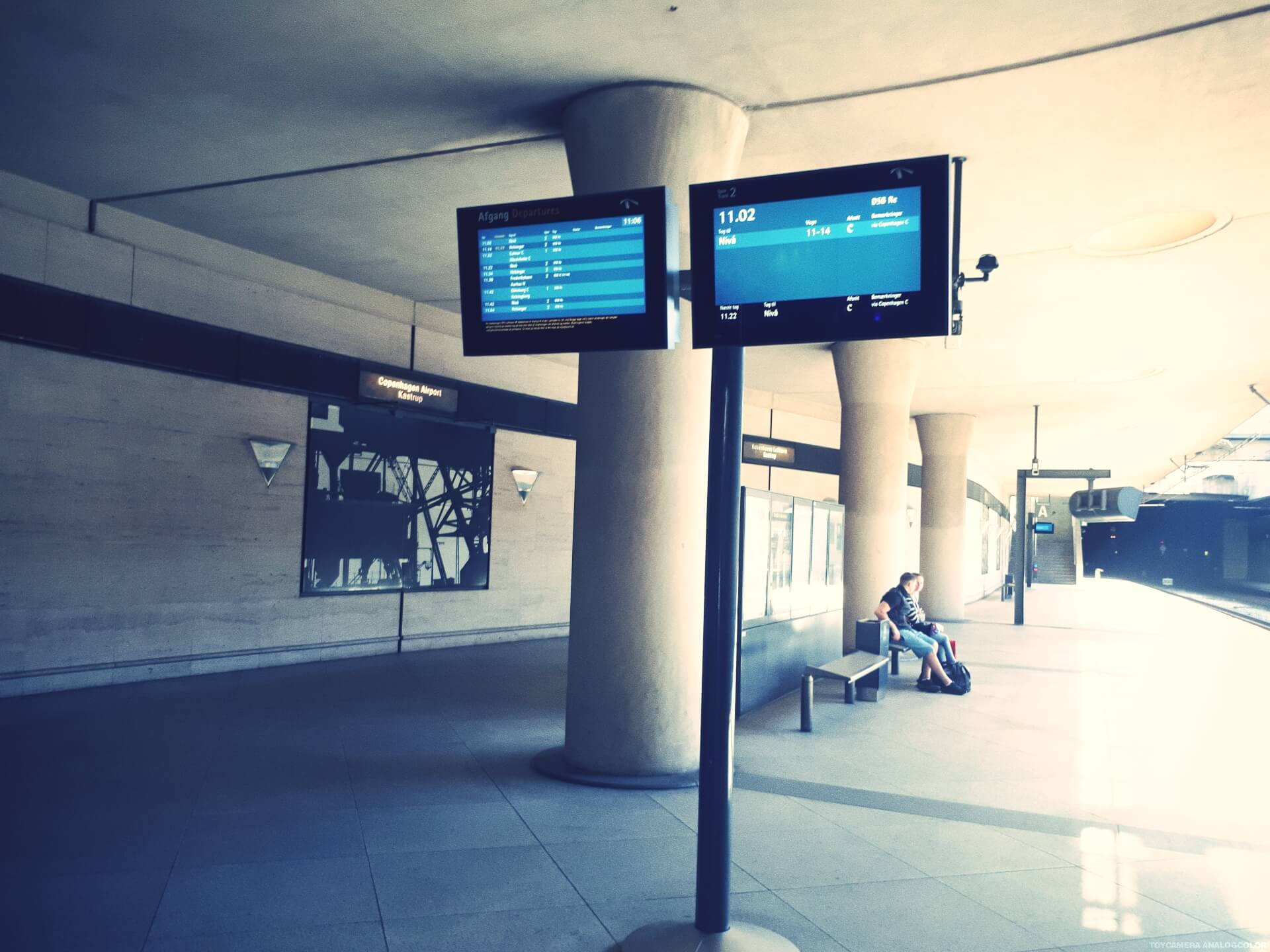 How to get from the airport to International People's College by train 15